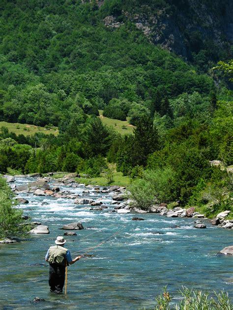 fly fishing  montana find western montana luxury homes