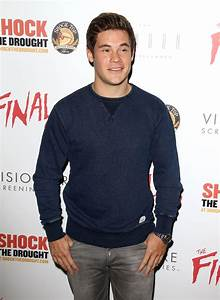 Adam DeVine Pictures HD | Full HD Pictures