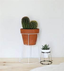 Blumentopf Mit Gestell : blumenstaender selber bauen metall weiss lampenschirm gestell runder blumentopf keramik ~ Buech-reservation.com Haus und Dekorationen