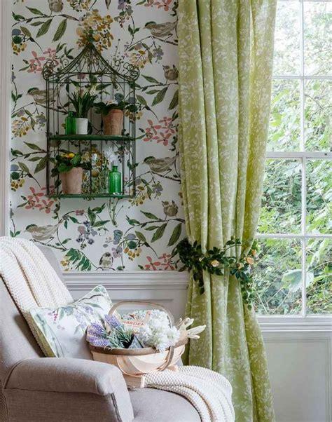 fruehling dekoration frische gruene farbe im interieur