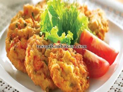 Resep cara membuat bakwan enak dan renyah, sangat populer di indonesia. Cara Membuat Resep Bakwan Jagung Manis Enak - Resep Ikan Bakar