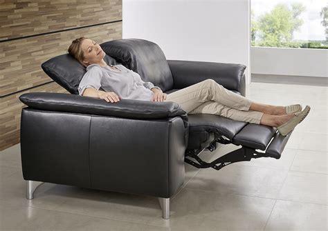 canapé en cuire le canape en cuir est il confortable de seanroyale