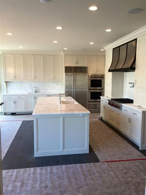 sw kitchen cabinets 7637 oyster white by sw kitchen cabinets paint colors
