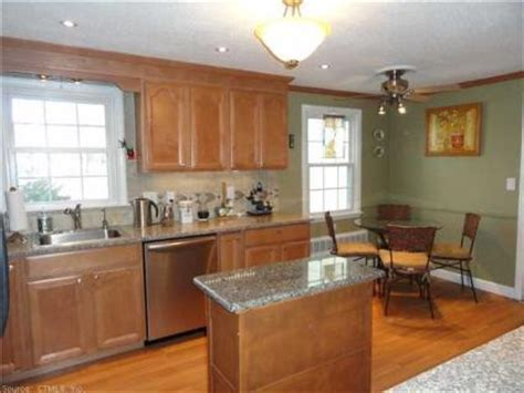 colors for a kitchen with cabinets 203 best images about kitchen makeover ideas on 9812