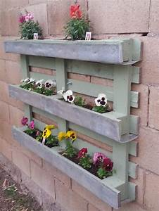 25 Easy DIY Plans and Ideas for Making a Wood Pallet