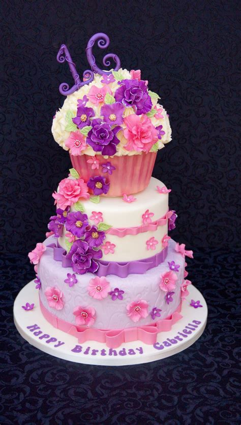 Birthday cakes can sometimes look tricky to make at home but we've got lots of easy birthday cake recipes and ideas for amateur bakers to make. 16Th Birthday Cake (mit Bildern)   Geburtstag, Geburt