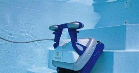 Robot Piscine Hors Sol Robot De Piscine T 233 L 233 Command 233 Le Confort 224 Port 233 E De