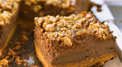 un cheesecake au chocolat et au beurre de cacahu 232 te
