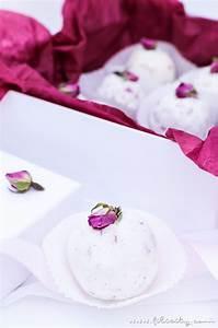 Badebomben Selber Machen : diy badebomben mit rosen geschenkidee f r valentinstag beauty diy blog aus ~ Markanthonyermac.com Haus und Dekorationen