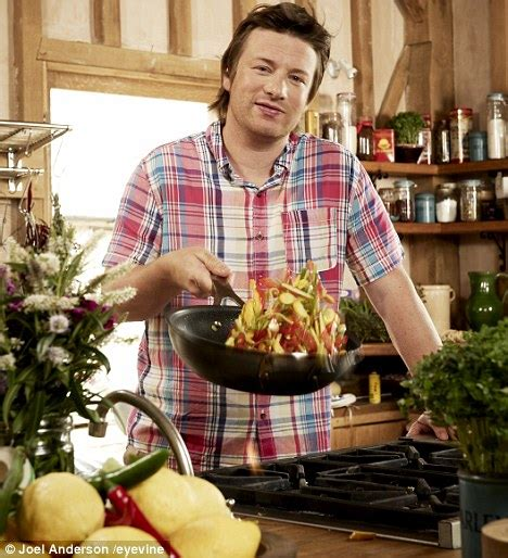 cuisine tv oliver 30 minutes oliver 30 minute meals you 39 re pulling a fast one daily mail