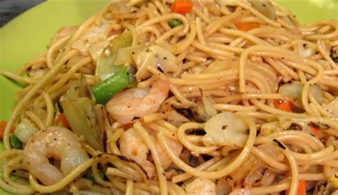 what is the difference between chow mein and lo mein difference between chow mein and lo mein hrfnd