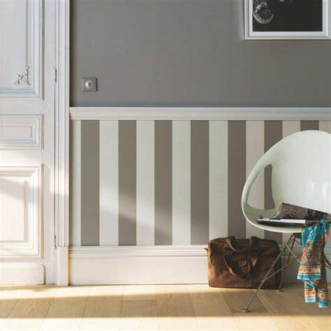 tapisser une chambre 17 meilleures idées à propos de papier peint à rayures sur