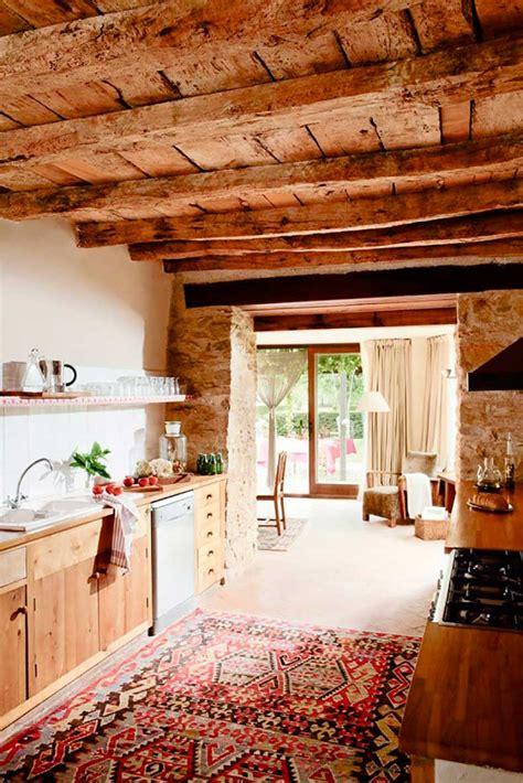 tendencia en decoracion alfombras persas en la cocina