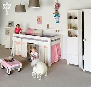 Hochbett Mit Kleiderschrank Unter Dem Bett : ordnung im kinderzimmer mit truhen und etagenbetten ~ Sanjose-hotels-ca.com Haus und Dekorationen