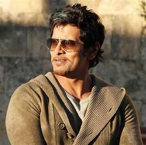 Vikram (Tamil Actor) Photos,Vikram (Tamil Actor) Images ...