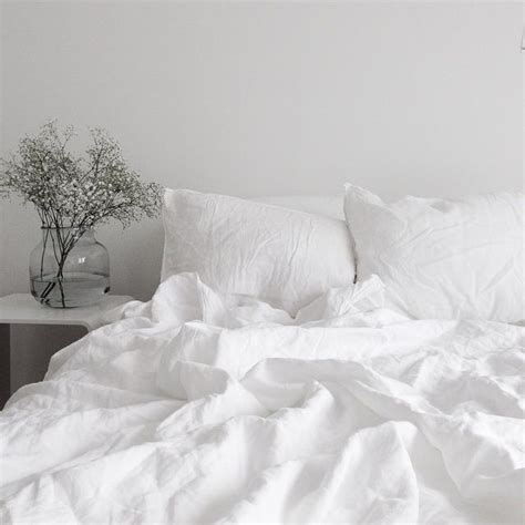white bed sheets mornings muse by maike http musebymaike