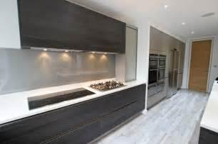 White Cabinets Dark Countertop Backsplash by Dark Handleless Kitchen Ideas Modern Kitchen London