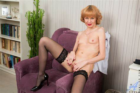 Stepmother With Skirt Takes Creamy Libertines Spanish Gilf Squirrel Has Still Get What It Lets