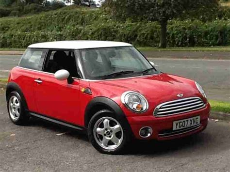 mini  cooper red  white roof face lift model indicator car  sale
