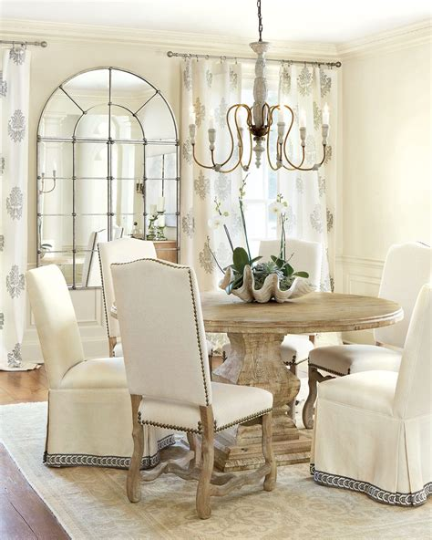 centerpieces   dining room   decorate