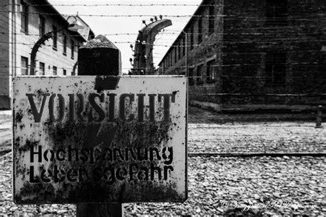 scritta ingresso auschwitz visita al co di concentramento di auschwitz birkenau