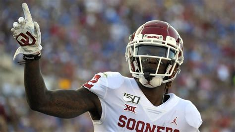 Cowboys agree to terms with first-round WR CeeDee Lamb