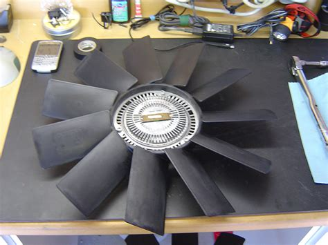 bmw fan clutch removal    bmw