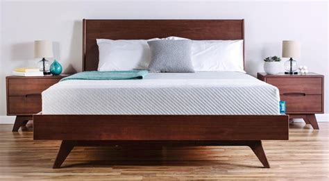 To Buy Bed Mattress by When Is The Best Time To Buy A Mattress The Gander Nyc