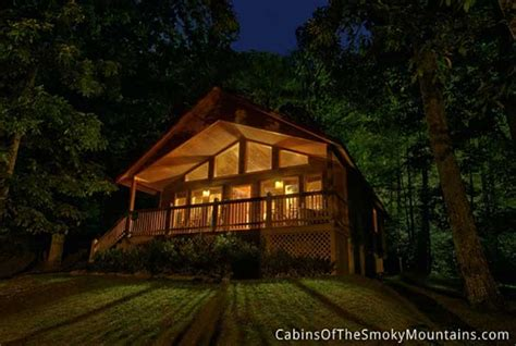 cabin in the woods pigeon forge cabin in the woods 2 bedroom sleeps 4