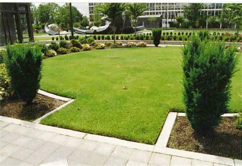 Ipmbased Landscape Design  Mowing Strips & Underlayment