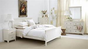 Distressed white queen bedroom set for Distressed white queen bedroom set