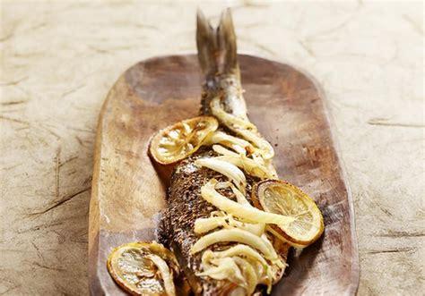 cuisiner le loup recettes à base de bar ou loup les recettes les mieux notées
