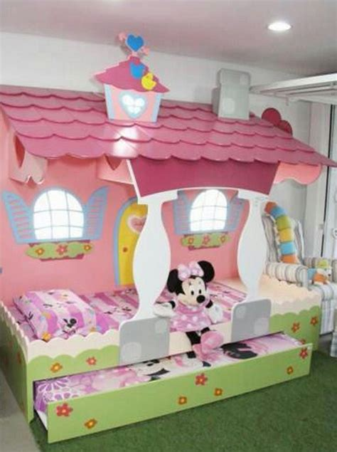chambre carrosse awesome le lit minnie with but lit carrosse