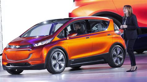 Range Electric Cars by Gm Says Timing Right For New Range Electric Car