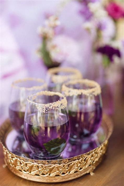 stylish ways  add purple   fall wedding