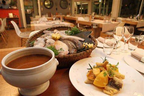 cuisine des iles marseille chez fonfon l une des bouillabaisses les plus connues de