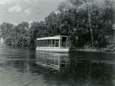 Glass Bottom Boat San Marcos Tx by Aquarena Springs