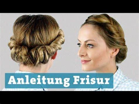 frisur eindrehen mit haarband fuer mittellange und lange