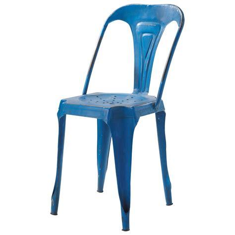 chaise et bleue chaise indus en métal bleue multipl 39 s maisons du monde