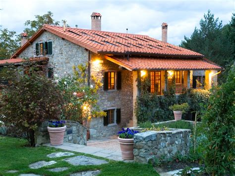 small tuscan villa house plans small beach house floor plans small rental house plans