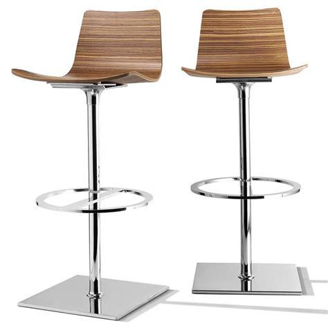fauteuil de bureau en bois pivotant tabouret de bar tournant design baby sur cdc design
