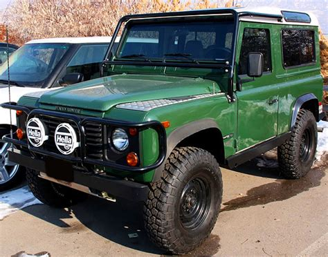 Land Rover 1997 Defender 90 a | CLASSIC CARS TODAY ONLINE