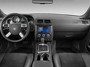 Image: 2010 Dodge Challenger 2-door Coupe SRT8 Dashboard