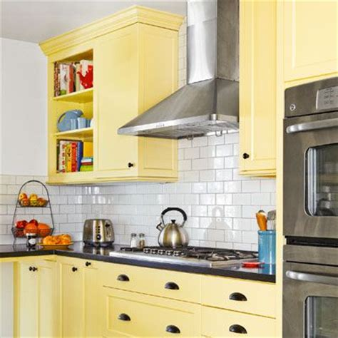 yellow kitchen backsplash ideas 66 best kitchen cabinets images on home 1689
