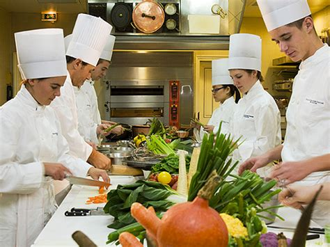 un chef dans votre cuisine cours de cuisine groupes id 233 e originale