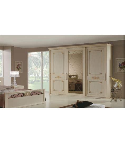 armadio epoca  ante scorrevoli  specchio spazio casa