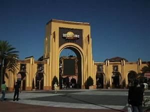 Entrance to Universal Studios - Picture of Orlando ...