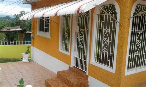 2 Bedrooms 1 Bathroom House For Rent In Kitson Town St