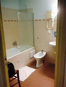 salle de bain avec wc separe photo de hotel hibiscus With salle de bain avec wc