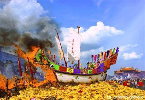 ritual bakar tongkang wikipedia bahasa indonesia